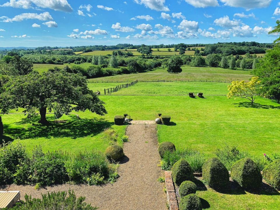 Hormonal Wellbeing Retreat in Sussex, location 1